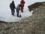 PK8-PK306.Clearing of culvert head from snow